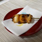 黒松(どら焼き)に隠れた、しょうゆだんごも逸品なんです! by便利屋ハッピー