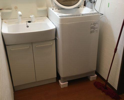 埼玉県所沢市築35年|脱衣所リフォーム工事の合間に 洗濯機を使いやすくしました by便利屋ハッピー