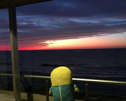 山形県庄内地方 日本海に沈む夕日、美しきマジックアワー! by便利屋ハッピー