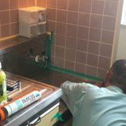 埼玉県草加市|エアコン設置後、キッチンのコーキングサービス! by便利屋ハッピー